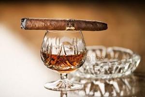 depositphotos_22146119-stock-photo-cognac-cigar.jpg