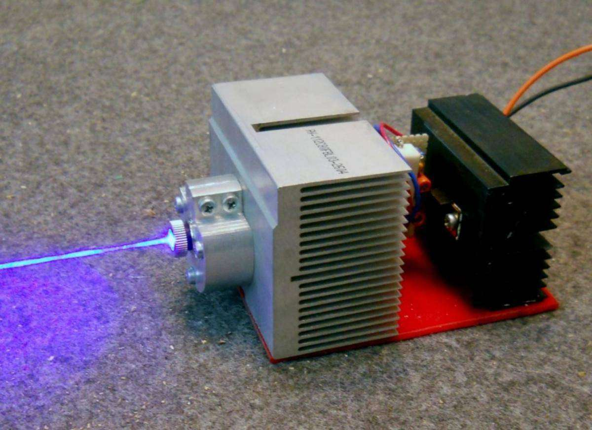 Мощный лазер для резки своими руками 76