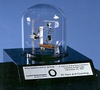 replica_of_first_transistor_1364537224_full.jpg