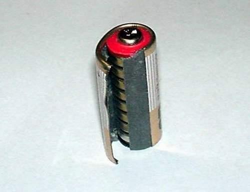 Разобрать литиевую батарейку своими руками
