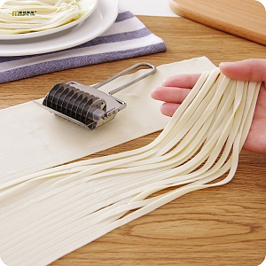 1pc-stainless-steel-manual-section-non-slip-handle-pressing-machine-font-b-noodles-b-font-cut.jpg