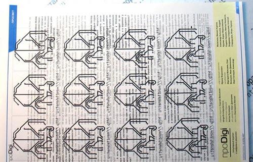 3) Напечатаем рисунок печатной платы на мелованной бумаге в зеркальном...