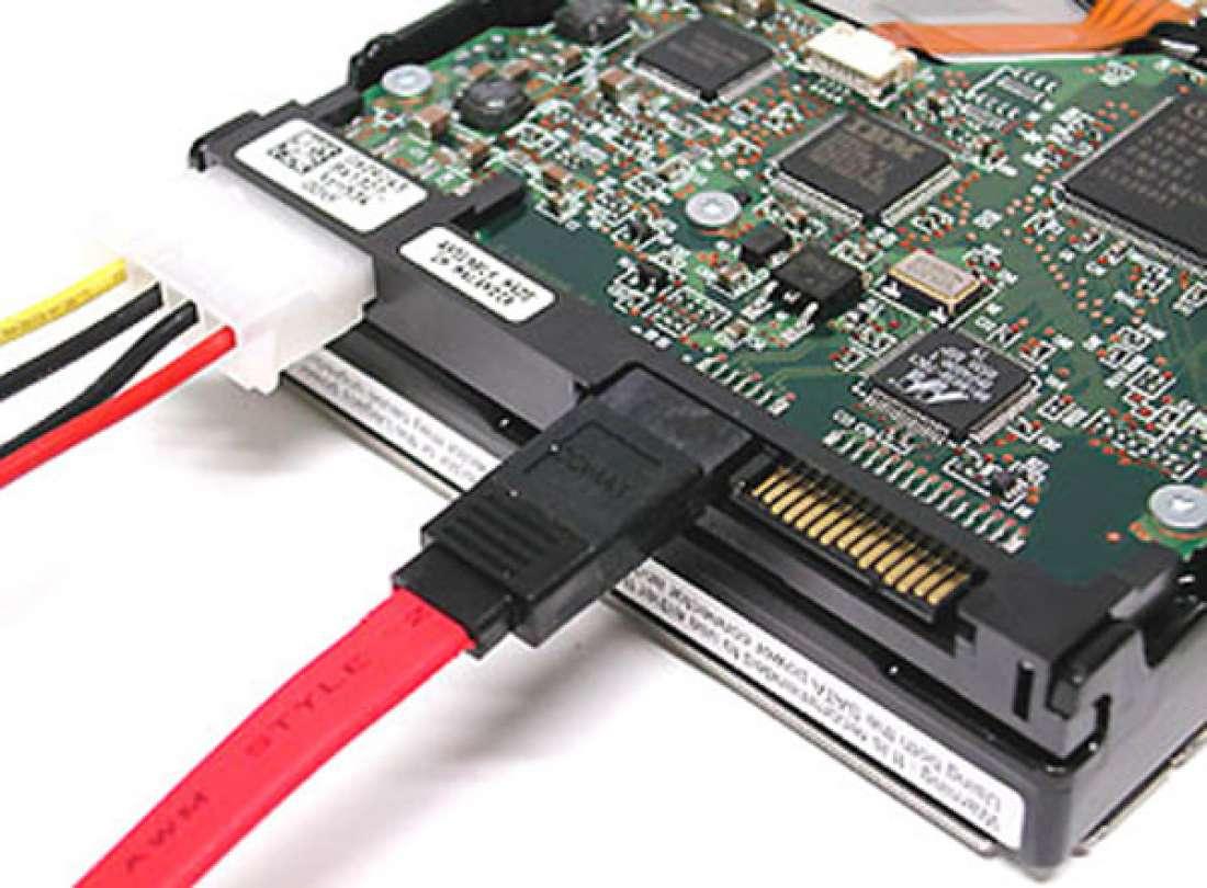 Serial ATA позволит производить обмен данными со скоростью до 600 Мб/с.